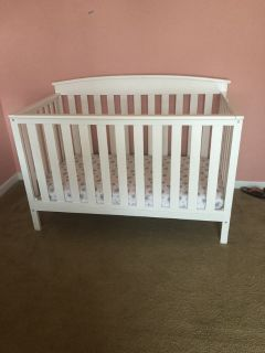 Baby crib/mattress/sheets/bumpers/covers/babygirlclothes
