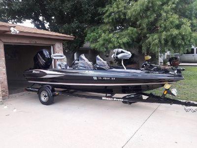 2013 Triton Pro17 bass boat