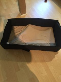Portable baby bed in excellent condition