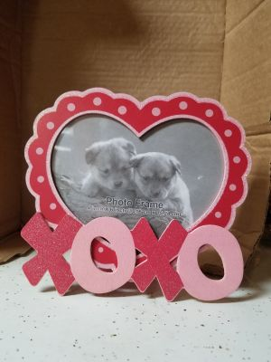 XOXO heart shaped picture frame