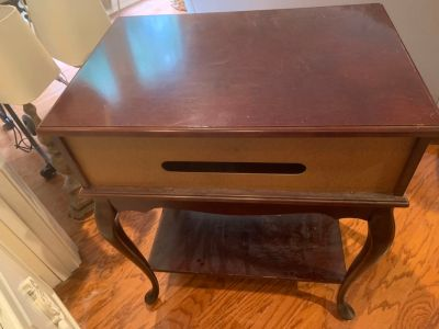Free, Computer table