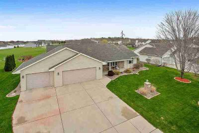 3125 BETH Drive Green Bay Three BR, Extremely well-maintained and