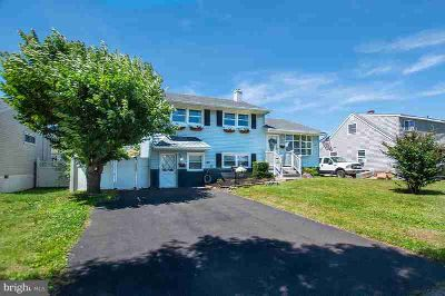 1201 Nancy Dr CROYDON Three BR, This meticulous home offers great