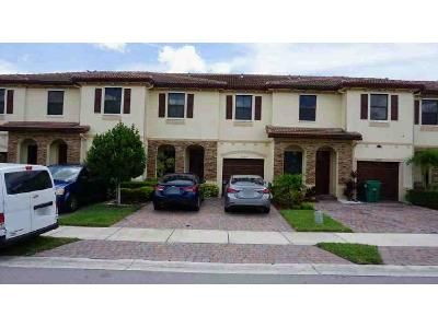 3 Bed 3 Bath Preforeclosure Property in Homestead, FL 33032 - SW 118th Ave