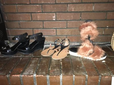 Sandals furry t strap wedge black brown sz7