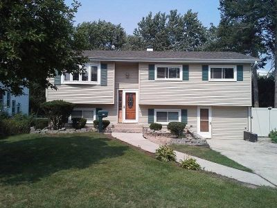 $3250 3 single-family home in West Suburbs