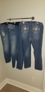 Size 18 maternity Jean's in Euc. Price is for all 3