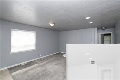 Outstanding Opportunity To Live At The Salt Lake City City Club. Washer/Dryer Hookups!