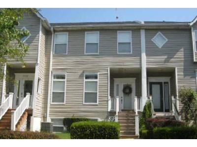 3 Bed 2.5 Bath Foreclosure Property in Saint Louis, MO 63112 - Kingsbury Pl