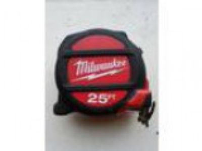 Milwaukee Tape Measure ft