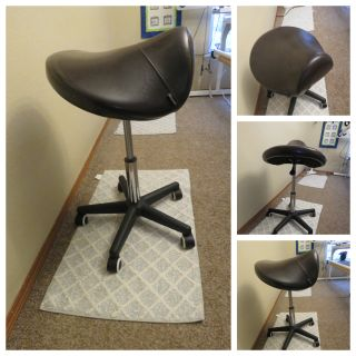 Ergonomic Swivel Saddle Stool