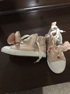 Brand new sneakers size 8c