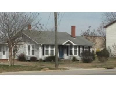 4 Bed 4 Bath Foreclosure Property in Dunn, NC 28334 - Clinton Avenue