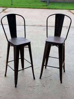 2 bar height bar stools