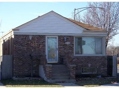 3 Bed 1 Bath Preforeclosure Property in Chicago, IL 60630 - N Nagle Ave