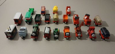 Ton of Thomas the train magnetic trains