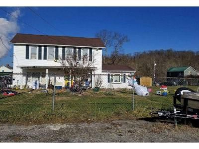 3 Bed 1 Bath Foreclosure Property in Gypsy, WV 26361 - Bowman Ct