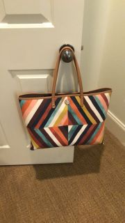 New Tory Burch tote bag. Used once! So cute and originally $298
