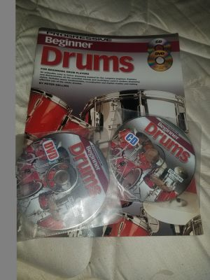 Learn to play the drums, Includes Book, CD and DVD