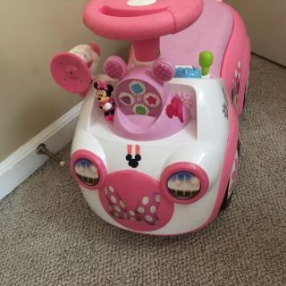 Minnie Mouse toddler Ride on toy