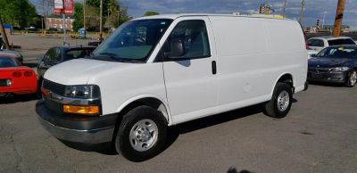 "2018 Chevrolet Express Cargo Van RWD 2500 135"" (Summit White)"