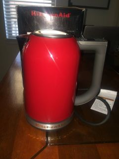 Brand New in Box KitchenAid Water Kettle Empire Red