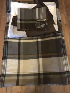 Mainstay brown and tan full size bed set
