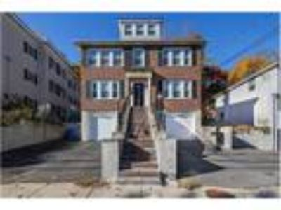 81 Columbus Ave #2 Waltham Townhouse