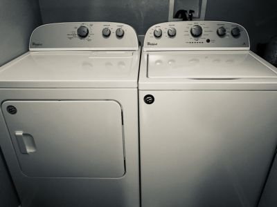 WHIRPOOL - washer and dryer in perfect condition.