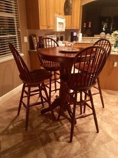 Kitchen Bistro table 4 chairs