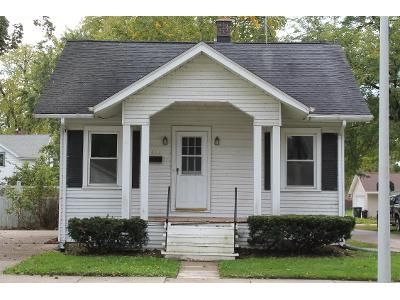 1 Bed 1 Bath Foreclosure Property in Oconomowoc, WI 53066 - W 3rd St