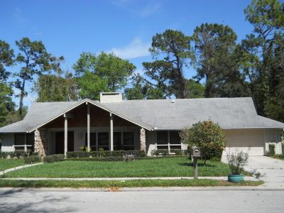 Spacious 4/3 Pool Home in Highly Desirable Sweetwater!