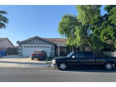 4 Bed 2 Bath Preforeclosure Property in Hanford, CA 93230 - Imperial Dr