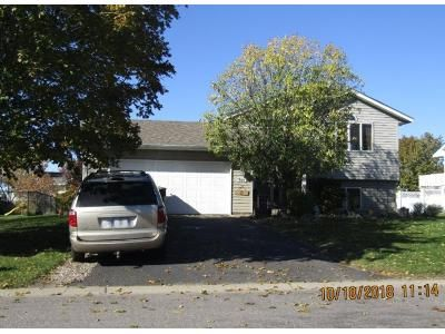 3 Bed 2.0 Bath Preforeclosure Property in Monticello, MN 55362 - Country Ln