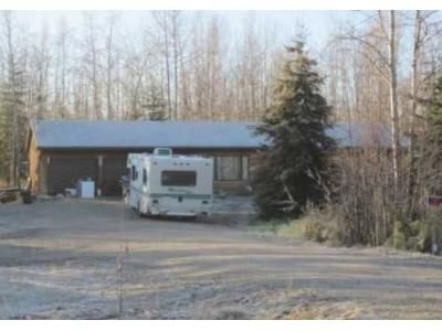 3 Bed 2 Bath Foreclosure Property in North Pole, AK 99705 - Hurst Rd