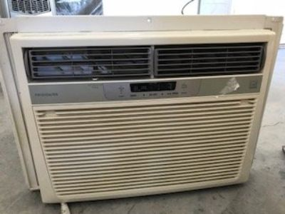 LIKE NEW, FRIGIDAIRE WINDOW A/C BTU-15100