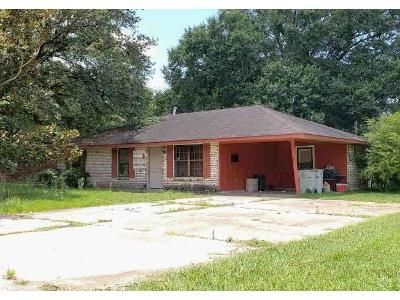 3 Bed 1.5 Bath Foreclosure Property in Baker, LA 70714 - Daniels St