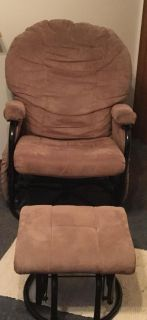 Swivel Rocking Chair Recliner with Foot Stool. Beige|Taupe Color. Has Deep side Pockets on both Sides