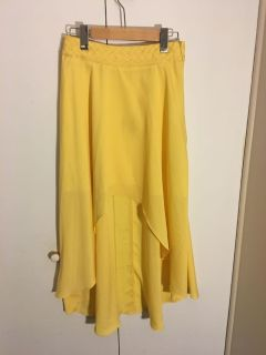 High-low yellow skirt - Size Medium (NEW)