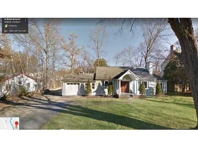 3 Bed 1.0 Bath Preforeclosure Property in Westport, CT 06880 - Woods Grove Rd