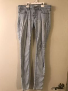 Hollister Super Stretch Skinny Jeans Juniors Size 3L Look Great on Great Condition $5.00