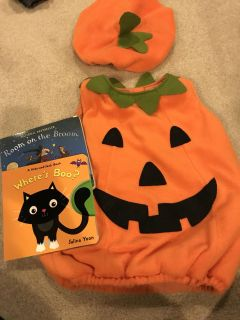 Pottery Barn Kids 2T-3T pumpkin costume with books