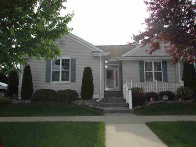 6077 S Meadow Ct #6077 Cudahy Two BR, Welcome Home to this rare