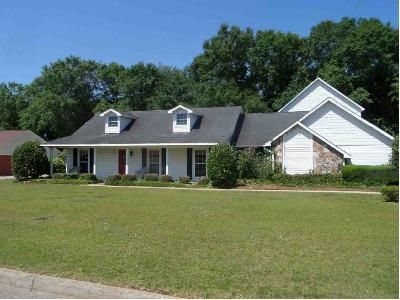 4 Bed 3 Bath Foreclosure Property in Dothan, AL 36305 - Wimbledon Dr