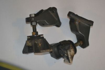 Buy OMC 4.3L OR SMALL BLOCK CHEVY FRONT MOUNT BRACKETS motorcycle in Melrose, Florida, United States, for US $150.00