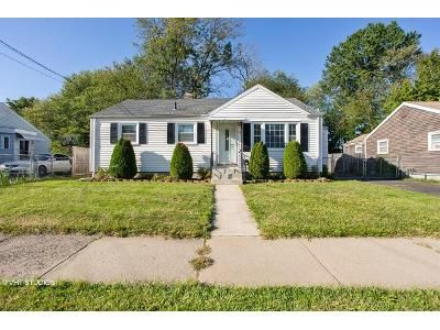 2 Bed 1 Bath Foreclosure Property in Hartford, CT 06106 - Princeton St