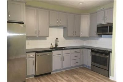 2 Bedroom 2 Bath Condo - Beautiful Kitchen!