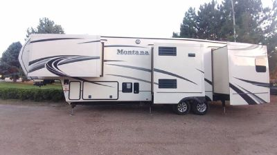 By Owner! 2014 Keystone Montana 3402rl 4 slide outs