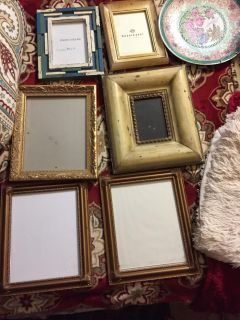 Bundle of Hobby Lobby and TJ Maxx picture frames and large deco plate with wall plate hanger $5 for all 7