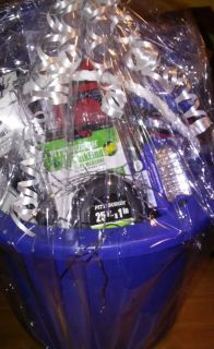 Tool gift set in a bucket
